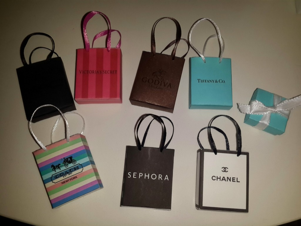Miniature shopping bags (small)